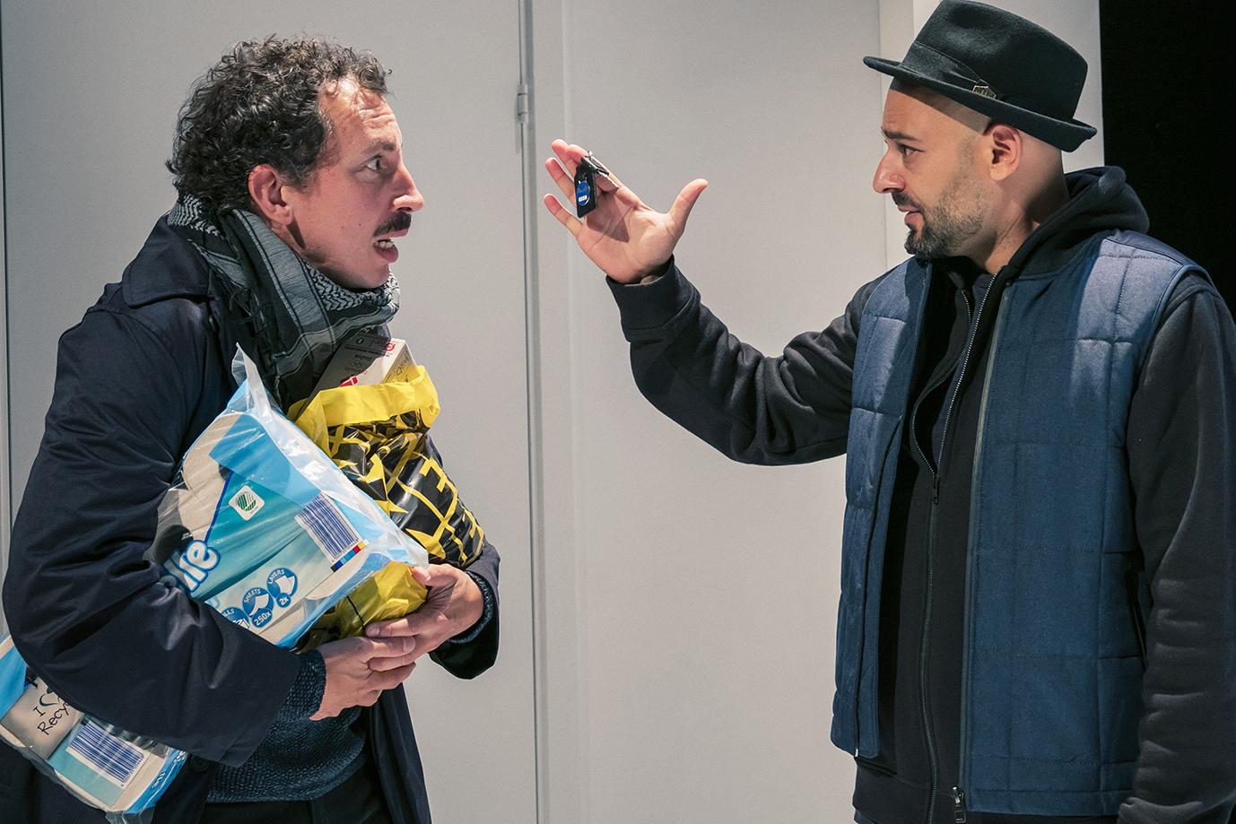 Ernesto Piga Carbone og Janus Nabil Bakrawi. Foto: Thomas Cato